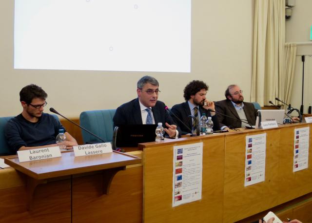 Massimo Amato illustre les systèmes de compensation