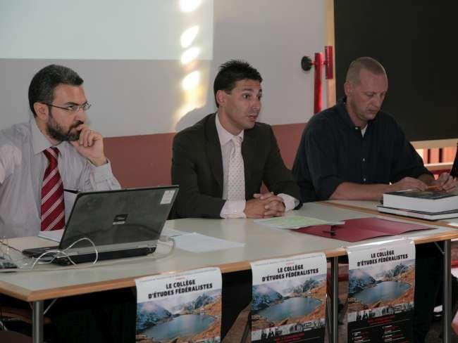 Aymeric Chauprade, Lauret Viérin et Etienne Andrione, ouverture du collège d'études fédéralistes, Aoste, 2009