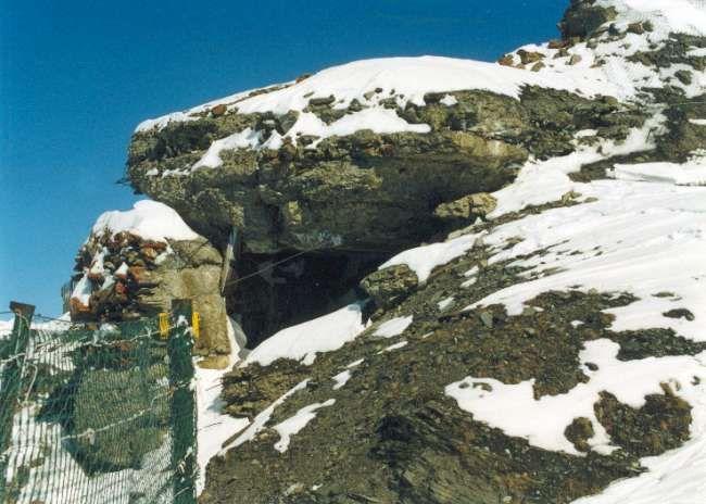 I resti della batteria di Chaz Duraz nel 1997