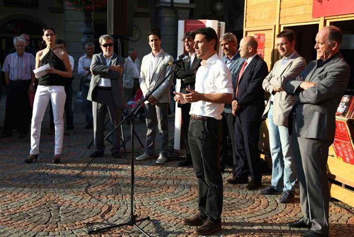 Inauguration des stand des Peuples invités, Aoste, Place Chanoux